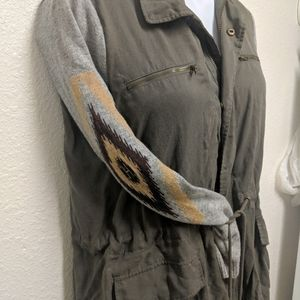 Forever 21 lightweight jacket with sweater arms